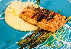 Garlic Herb Grilled Salmon – Comfort Spring Grilled Salmon, Food Themes, Appetizers For Party, Salmon Recipes, Grilling, Garlic, Thanksgiving, Herbs, Homemade