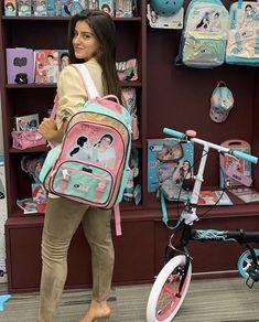 Disney Channel, Pinturas Disney, Arte Disney, Zendaya, Beautiful Actresses, Fashion Backpack, Baby Strollers, Most Beautiful, Kitty
