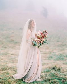 Misty mountaintops make for the most romantic wedding photos! | Photography + Styling: @sweetlifephoto.anna + @sweetlifephoto.jake | Floral Design: @ponderosa_and_thyme | Ribbon: @silkandwillow | Wedding Dress: @sarahseven | Veil: @austieeckley