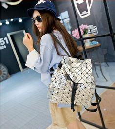 32.50$  Watch now - http://ali5p1.shopchina.info/go.php?t=32787920073 - 2017 Vintage Women-bag Backpack Geometric Shoulder Student's school bag Hologram/Luminous backpack baobao bag designer's  32.50$ #buyonlinewebsite