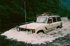 The mighty Toyota 60' in action, ah the good ol' days