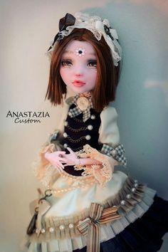 Anastazia custom sur facebook