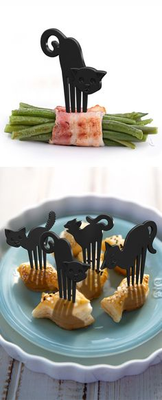Black cat food picks // for Halloween? #product_design