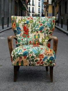 Una silla hecha de tela con la maravillosa: Frida Kalo.