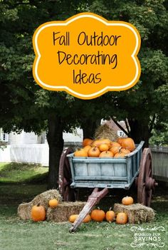 Fall is such a pretty season and Outdoor fall decorating can be so much fun. Here are some of my favorite outdoor decorating ideas for fall. #falldecor #fallcrafts