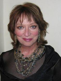 Veronica CartwrightNacido en Bristol, Inglaterra, Verónica es la hermana mayor de la actriz de la popular niña Angela Cartwright. En su temprana carrera, Verónica fue echado e ...
