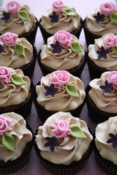 Cupcakes by Cotton and Crumbs