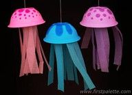 Paper plate and streamers jelly fish craft