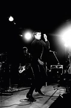 Kevin Cummins - Ian Curtis e Peter Hook - 1979 - courtesy Galleria ONO Arte contemporanea, Bologna
