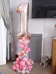 organic balloon display for a Birthday. organic balloon display for a Birthday. Balloon Pillars, Balloon Tower, Balloon Stands, Balloon Display, Love Balloon, Balloon Arch, Balloon Ideas, Rose Gold Number Balloons, Number 1 Balloon