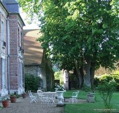 The Enchanted Home: One word with Sharon from My French Country Home Gravel Patio, Backyard Patio, Gravel Driveway, Pea Gravel, Terrace Design, Garden Design, Fresco, My French Country Home, Enchanted Home