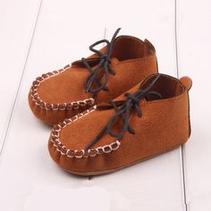 ee96e29322c LIVEBOX Infant Baby Girls Moccasins Tassels Premium Soft Sole Anti-Slip  Summer Prewalker Toddler Sandals (S  months