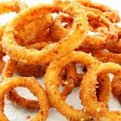 This oven onion ring recipe makes a crispy yummy appetizer that are great with the dip of your choice. Oven Onion Rings Recipe from Grandmothers Kitchen. Baked Onion Rings, Onion Rings Recipe, Vegetable Dishes, Vegetable Recipes, Yummy Appetizers, Appetizer Recipes, Baked Onions, Great Recipes, Favorite Recipes