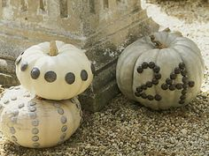 white or silver pumpkin table numbers  ??