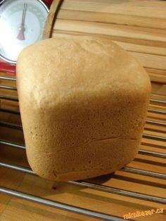TOUSTOVÝ CHLÉB-opravdu dobrý....domácí pekárna Crackers, Food And Drink, Cooking Recipes, Bread, Baking, Pretzels, Bakken, Biscuit, Backen