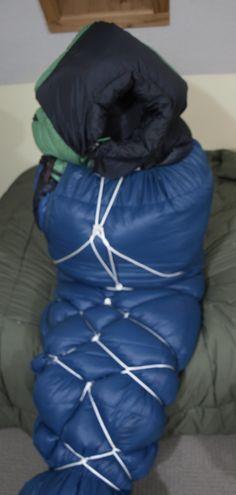 бондаж в спальном мешке... Фото № 5. Furcoat