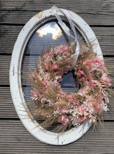 Dry Flowers, Floral Wreath, Wreaths, Decor, Dried Flowers, Planting, Tulips, Plants, Decoration