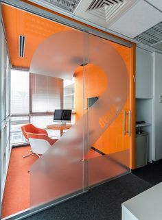 Genband Offices -Israel Communication company I like the frosted number on the glass doors. Creative Office Space, Office Space Design, Small Room Design, Small Office, Office Interior Design, Front Office, Office Designs, Corporate Interiors, Office Interiors