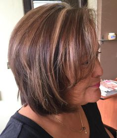 Older+Women's+Brown+Bob+With+Highlights
