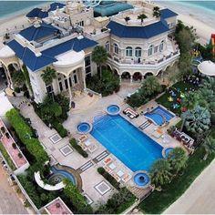 Une villa gigantesque   luxe, vacances, villas de luxe. Plus de nouveautés sur http://www.bocadolobo.com/en/inspiration-and-ideas/