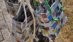 Tasjes van kranten en papier