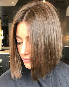 53 Adorable Blunt Bob Hairstyles to Give You a New Look Style Style bob frisuren 53 Adorable Blunt Bob Hairstyles to Give You a New Look Blunt Bob Hairstyles, Blunt Haircut, Cute Bob Haircuts, Bob Hairstyles For Thick, Hairstyles Haircuts, Page Haircut, Tips Belleza, Short Hair Styles, Hair Cuts