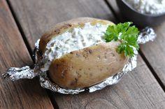 Folienkartoffeln vom Grill mit Sour Creme