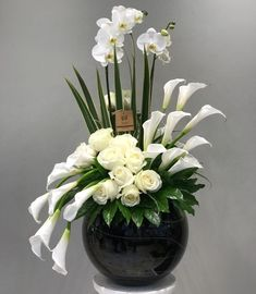 30 Beautiful Modern Flower Arrangements Design Ideas - Home Decor Ideas - - 30 . - 30 Beautiful Modern Flower Arrangements Design Ideas – Home Decor Ideas – – 30 Beautiful Mode - Contemporary Flower Arrangements, Tropical Flower Arrangements, Creative Flower Arrangements, Flower Arrangement Designs, Church Flower Arrangements, Beautiful Flower Arrangements, Flower Centerpieces, Flower Decorations, Beautiful Flowers