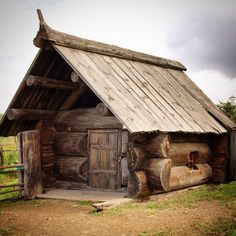 Russian Banja big log sauna Museum of Wooden Architecture Nizh Little Log Cabin, Small Log Cabin, Tiny House Cabin, Log Cabin Homes, Tiny Houses, Cabins For Sale, Cabins And Cottages, Casa Viking, Log Home Designs