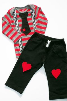 Next years Valentines outfit for my little man. Baby Boy Tie Bodysuit with Suspenders and Heart Knee Patch Pants - Photo Prop, Baby Boy Gift, Valentine, Red Stripes Little Boy Fashion, Baby Boy Fashion, Kids Fashion, Outfits Niños, Baby Boy Outfits, Patch Pants, Baby Boy Swag, Boys Ties, Baby Boy Gifts
