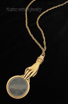 Vintage old FLORENZA Long gold Victorian hand MAGNIFYING glass Pendant NECKLACE