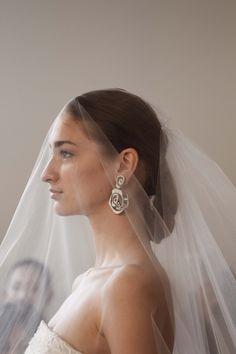 Veiled. Oscar de la Renta Bridal 2015 - #odlr www.ninagarcia.com