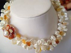 3 strands white Biwa pearl with a red agate clasp Red Agate, Freshwater Pearl Necklaces, Antique Stores, Strands, Pearl White, Gemstone Jewelry, Beaded Necklace, Gemstones, Beauty
