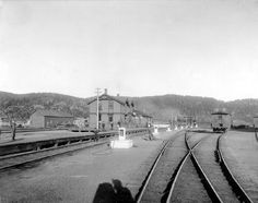 The heart of our town! Our Town, Railroad Tracks, History, Heart, Historia, Hearts, Train Tracks