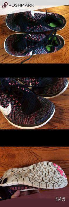 Nike Free 4.0 flyknit size 8 GUC Bundle discount of 20%. Smoke and pet free home. Good pre owned condition Nike Shoes Sneakers