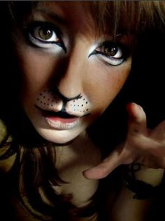 Lion Make-up this is weird so i had to pin