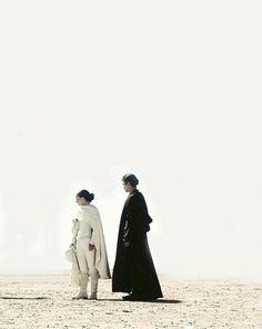 Star Wars Episode II Anakin Skywalker and Padme Amidala on Tatooine Anakin Vader, Anakin And Padme, Anakin Skywalker, Darth Vader, Film Star Wars, Star Wars Art, Star Wars Tattoo, Geeks, Star Wars Padme