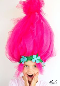 This Troll hair DIY Halloween costumes is easy to make and I love how BIG it is. Perfect for getting that troll look.