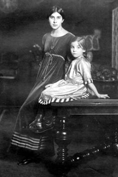 """Denise Poiret, clothing designer, photographed by Henri Manuel in 1911 with her daughter Rosine, age Madame Poiret wears a gray velvet afternoon dress called """"Toujours. Paul Poiret, Art Nouveau, Historical Costume, Historical Clothing, Belle Epoque, Old Photos, Vintage Photos, 20th Century Fashion, Edwardian Fashion"""