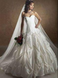Maggie Sottero Capri Wedding Dress. Size 8, but corset back so adjustable. Asking $350, obo.