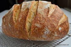 Paine de casa traditionala ungureasca   Savori Urbane Cooking Bread, Bread Baking, Tasty, Yummy Food, Good Food, Eggs Benedict Recipe, Bread Recipes, Cooking Recipes, Romanian Food