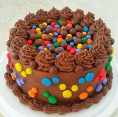 Coloured Candy Cake by Fatiana Francisco - Cake Decorating Designs, Creative Cake Decorating, Creative Cakes, Candy Cakes, Cupcake Cakes, Shoe Cakes, Cupcakes, Chocolate Birthday Cake Decoration, Chocolate Cake Designs