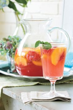 Carolina Peach Sangria, this is making us wish it was still summer!