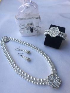 Wedding pearl necklace deco silver brooch by Rosariesaccessories