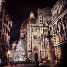 Florence in Tuscany, Italy Christmas In Italy, Merry Christmas, Italian Christmas, Christmas Lights, Christmas Time, Vintage Christmas, Christmas Decorations, Xmas, Places To Travel
