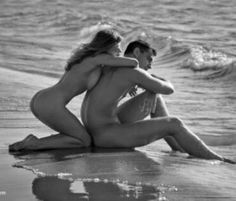 video couples kissing fucking in groove of beach