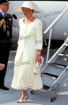 Princess Diana in Hungary Photo By:dave Chancellor-alpha-Globe Photos, Inc