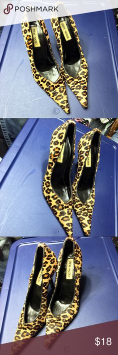 Steve Madden Leopard Print Heeled Pointed Toe 71/2 Steve Madden Leopard Print Heeled Pointed Toe 71/2 good Condition Steve Madden Shoes Heels