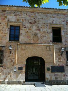 Parador de Zamora en Zamora, Castilla y León #hotel #arte #historia #restaurante #romanico #castillayleon