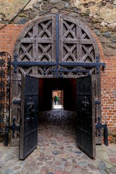 Door Trakai Castle, Vilna, Lithuania   ..rh